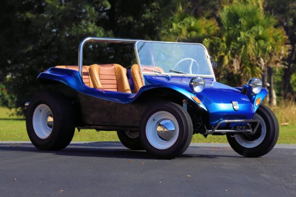 A blue dune buggy