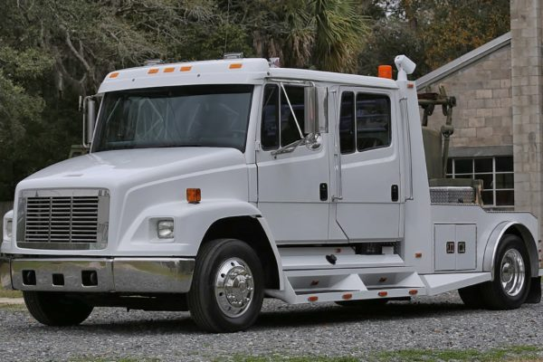 A white trailer truck